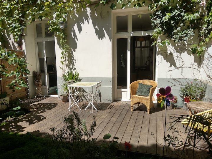 Charming apt with private garden-Canal de l'Ourcq