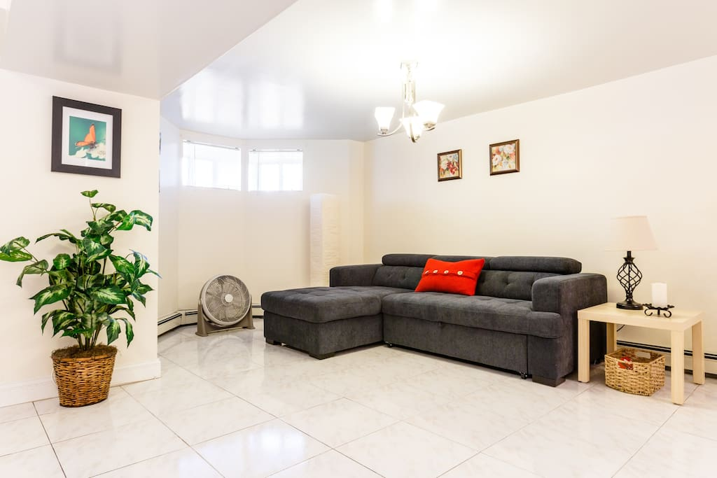 Pull out super comfy sofa in the living room.