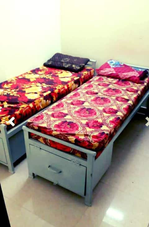 Mens Pg * 1 Bed room - Food (3 times)