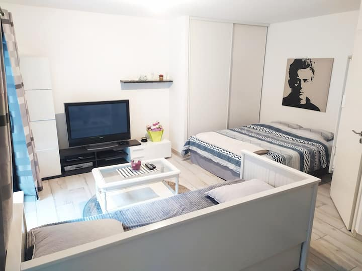 Studio next to Cathedral/City center+Free parking