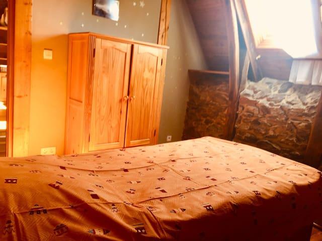 Chambre n°2 avec lit simple