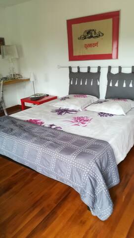 spacieux lit king size