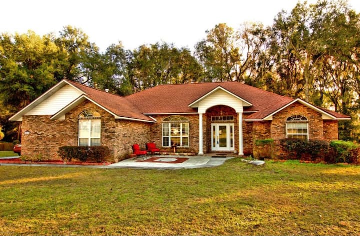Brick home with queen size bed just for you!