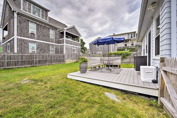 NEW! Newport Area Cottage - Walk to First Beach!