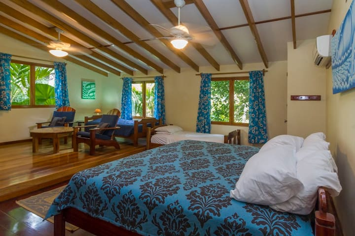 King Suite LA LAPA La Ponderosa Beach & Jungle