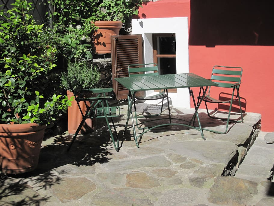Clematis Lodge Patio