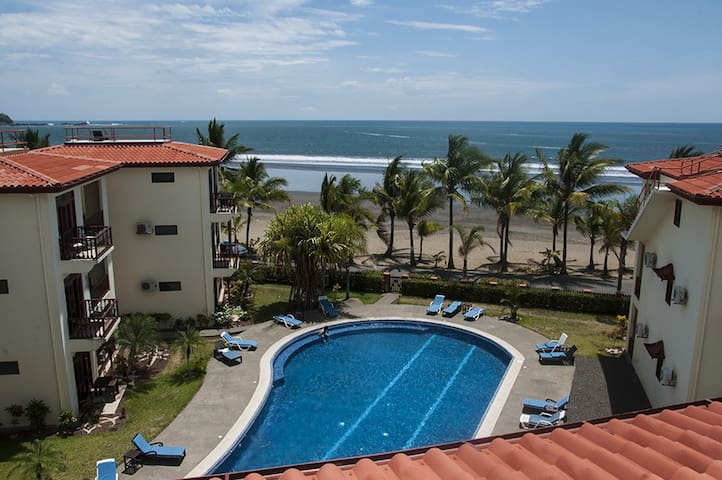 2 Bedroom Jaco Beachfront Condo - Playa Jaco - Apartment