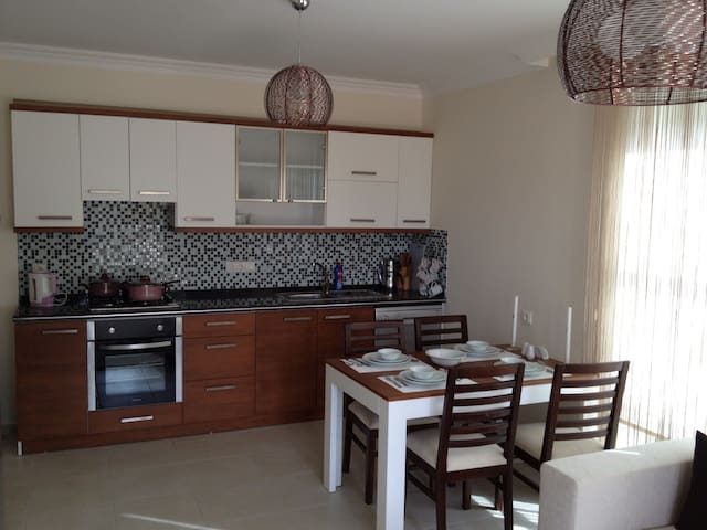 LUXURY 2 BEDROOM 5* APARTMENT - Fethiye - Wohnung