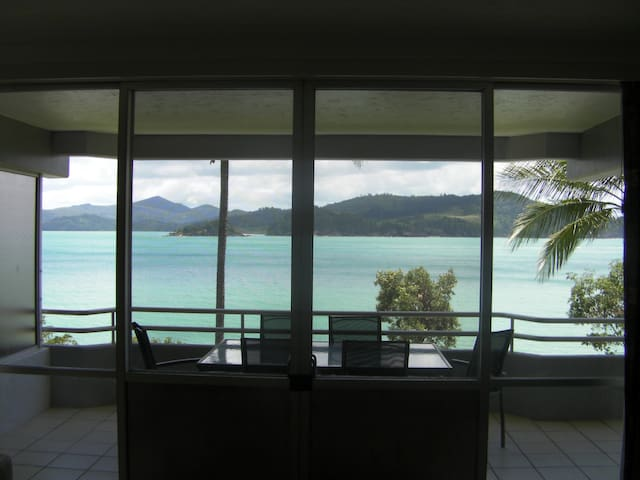 Frangipani 102 - Buggy Included! - Hamilton Island - Apartment
