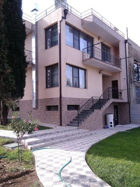 Makhata House