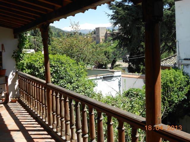 Camera e prima colazione in casa storica - Granada - Bed & Breakfast