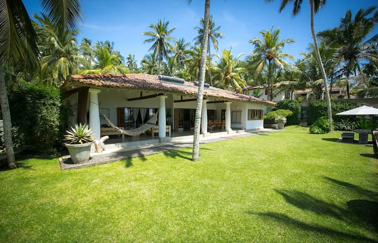 A Luxury villa with ocean view - Dikwella - Casa de camp