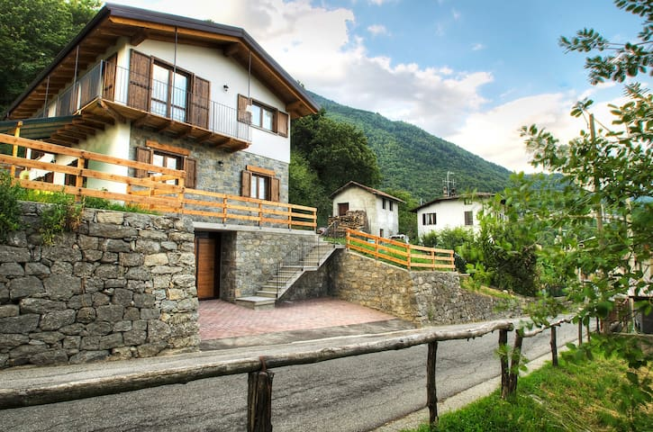 B&B Costiera dei Cech, Homestay in Valtellina