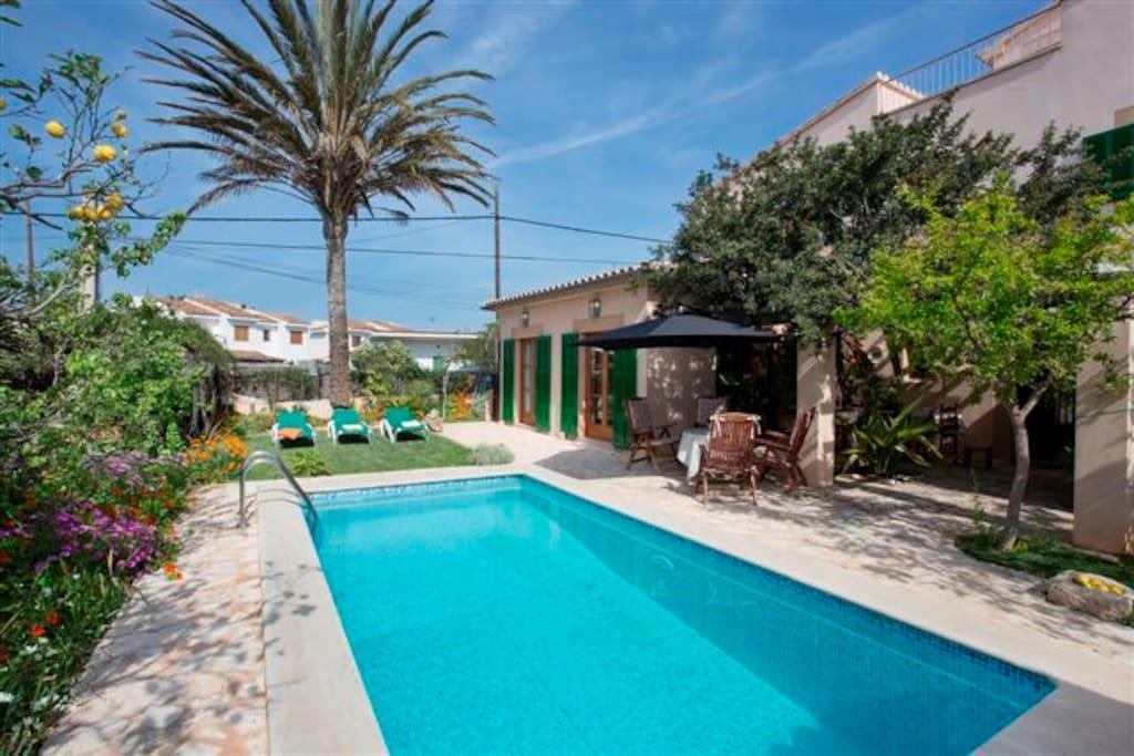 Bonita casa con piscina en la playa vacation homes for for Expo casa y jardin 2015 wtc