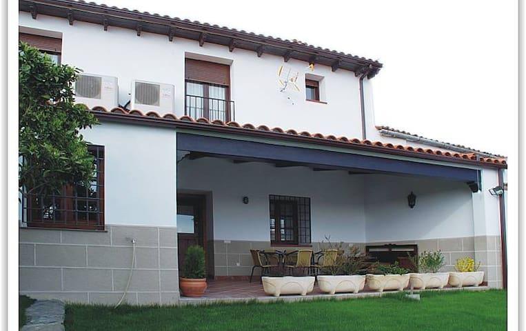 Casa Rural Tía Tomasa para 10 personas