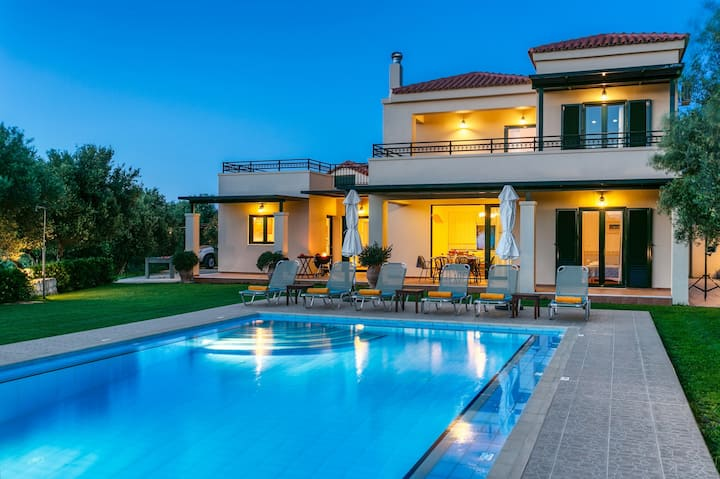 Totally private villa with private pool near Platanias,Chania