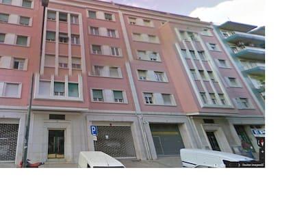 Rent Room FINAL CHAMPIONS LEAGUE - Lisboa - Bed & Breakfast