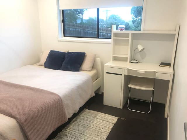 Queen bedroom in Frankston
