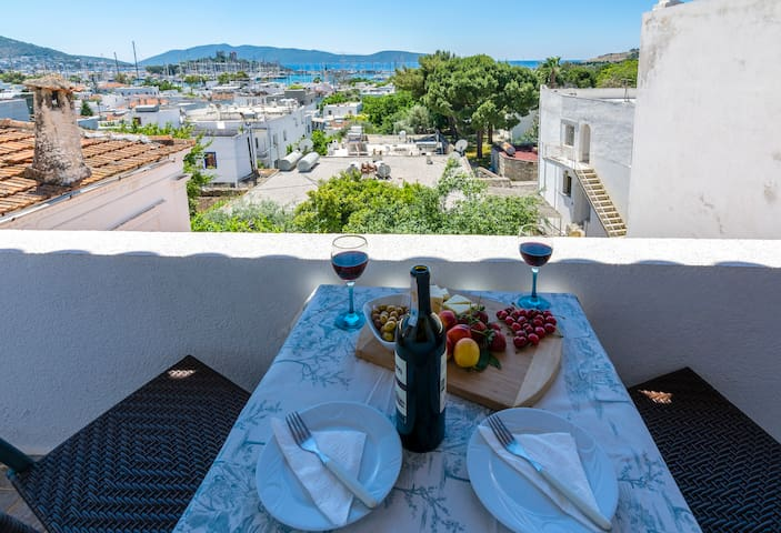 Balcony with Amazing view of Bodrum