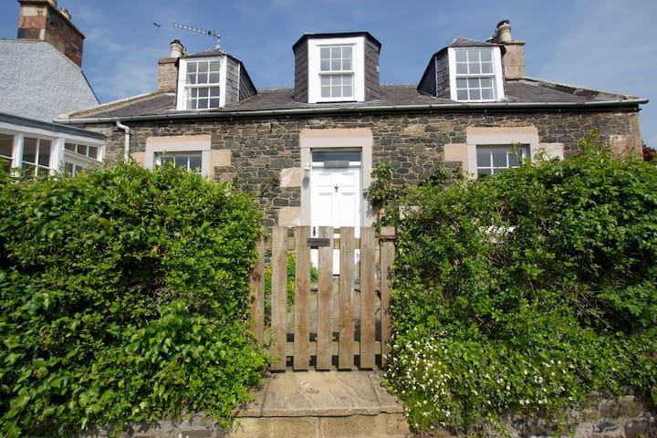 Marr Cottage Melrose Roxburghshire