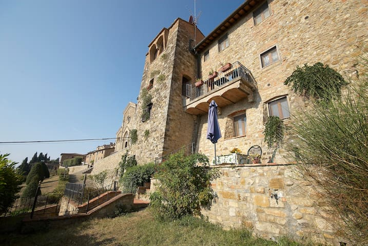 Old Walls with garden and......pool - Barberino Val - Apartment