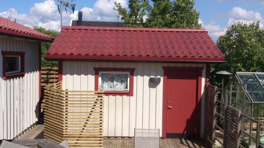Sommarboende i Halmstad / Kärleken  - Halmstad - Mökki