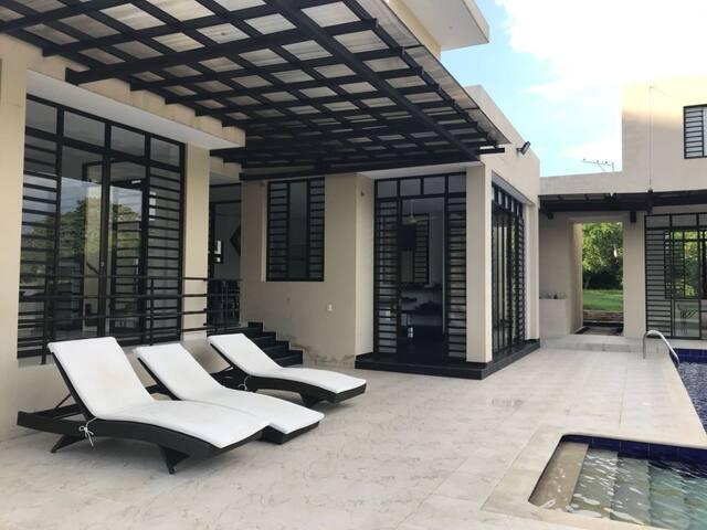 Acogedora y espectacular casa de campo - Anapoima