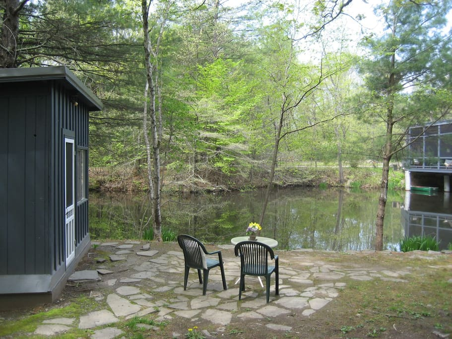 Breakfast by the pond?