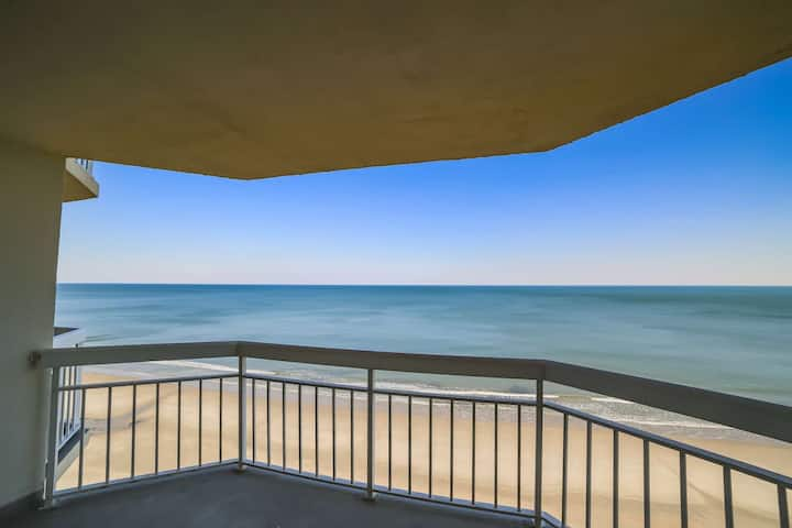 Oceanfront, Incredible Water's Edge Views & Free Water Park, Aquarium, Golf & More Every Day! WE908