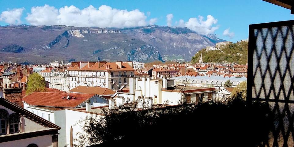 Chambre Privée dans T4 Hyper Centre Grenoble