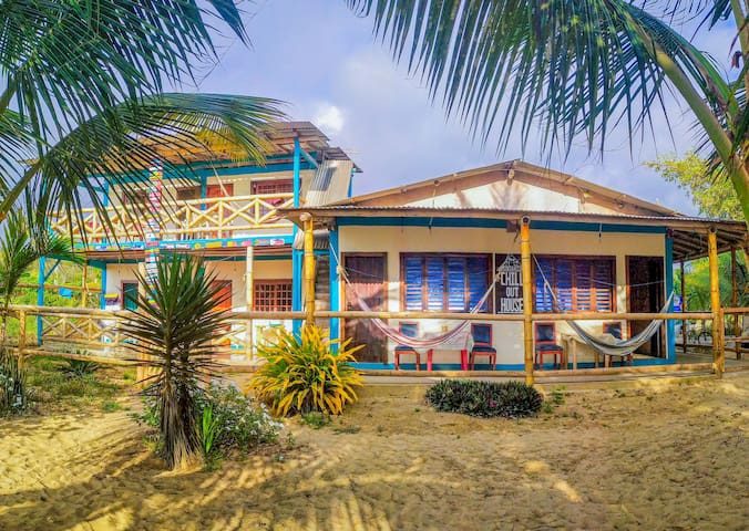 Front beach rustic room in Montañita 2 to 4 people
