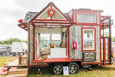 ❤️ Uniquely Romantic Firehouse Tiny House ❤️