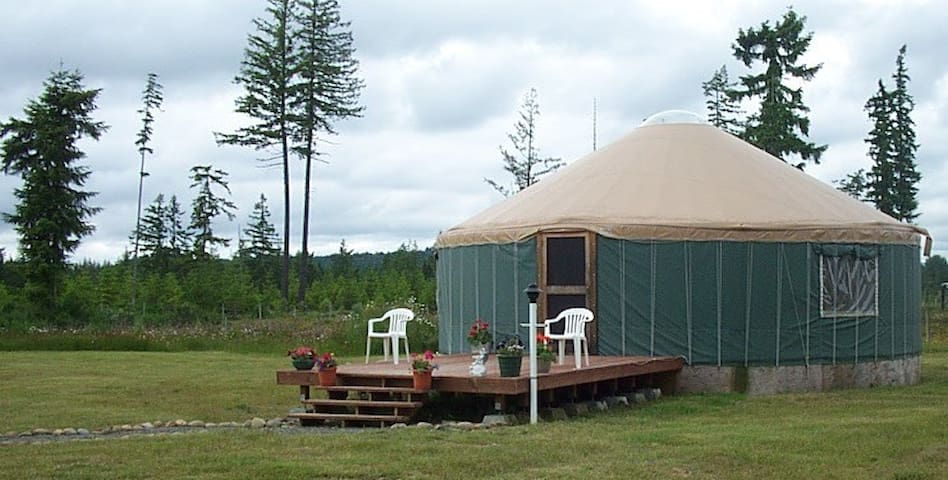 Large Yurt On Tranquil 5 Acre Retreat Center!!