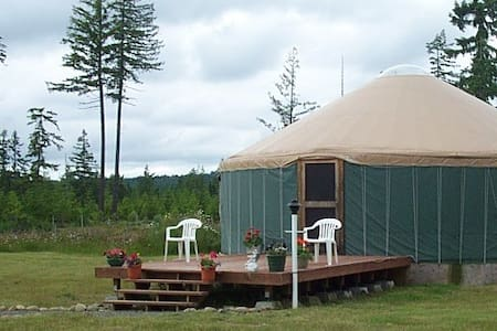 Large Yurt On Tranquil Moonglow Retreat Center!!