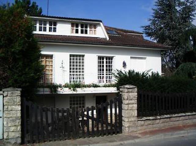 Grande maison proche Paris - Viarmes - Hus