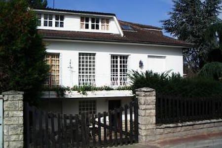 Grande maison proche Paris - Viarmes