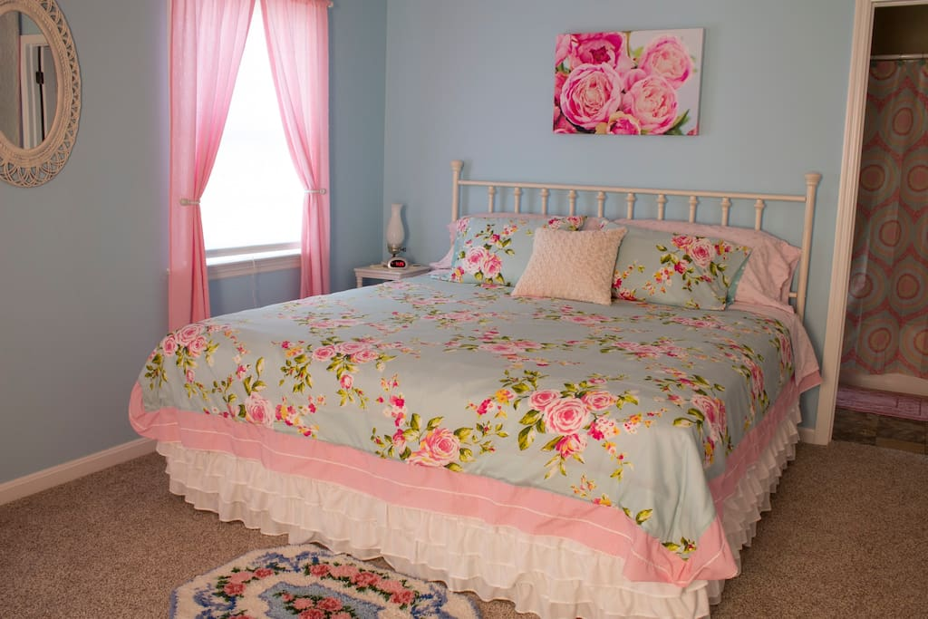 Shabby Chic Room with king bed