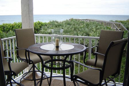 Beach & Resort Amenities All in 1. - Stuart