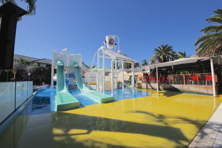 Turtle Beach Resort Family Poolside Paradise #233