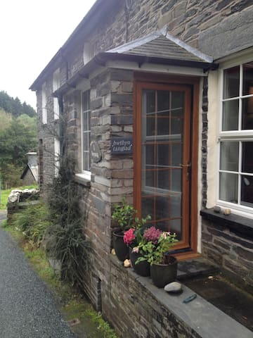 Beautiful Quarrymans cottage in a stunning setting - Gwynedd - Dom