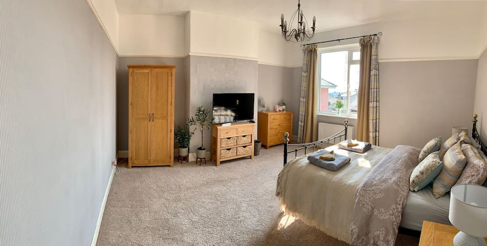 Double room in beautiful Plymouth home