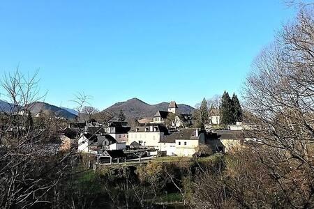 Chambre équipée avec terrasse panoramique