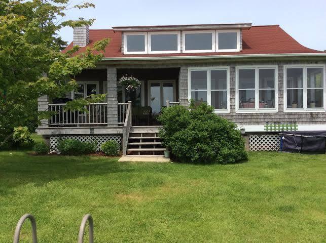 Casa del Sol - Oceanfront Cottage in Howe Bay, PEI