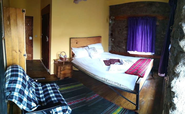 Bedroom 2 (Upper floor)