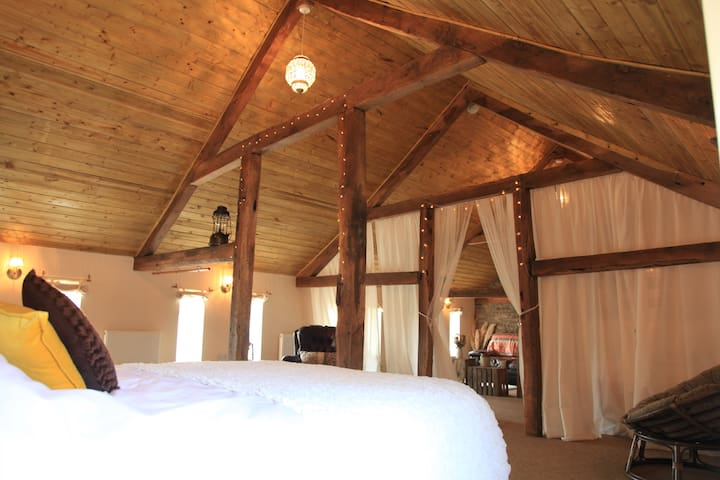 400 year old beams, white drapes and fairy lights...a perfect romantic getaway