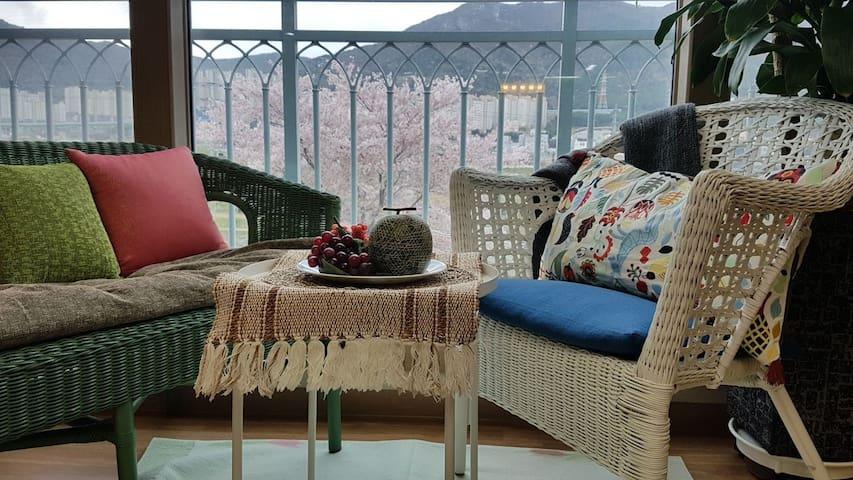 Artist house, 거제고현, 거제 통영여행최적, 34평 아파트, 작가작품선물로 드림