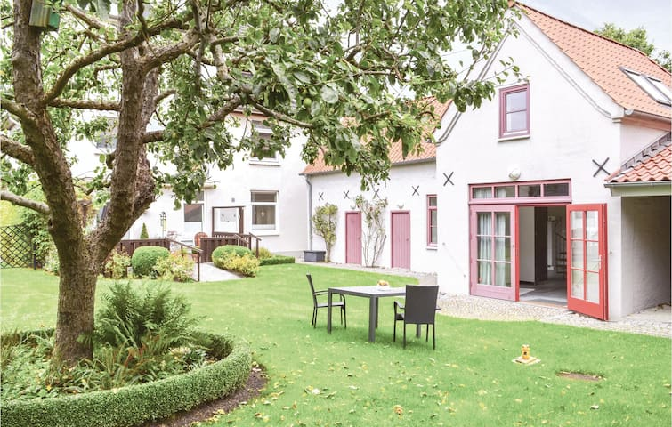 Holiday cottage with 1 bedroom on 120m² in Glücksburg