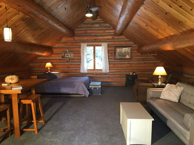 Log Cabin Loft @ Cannon Ball Run Ranch