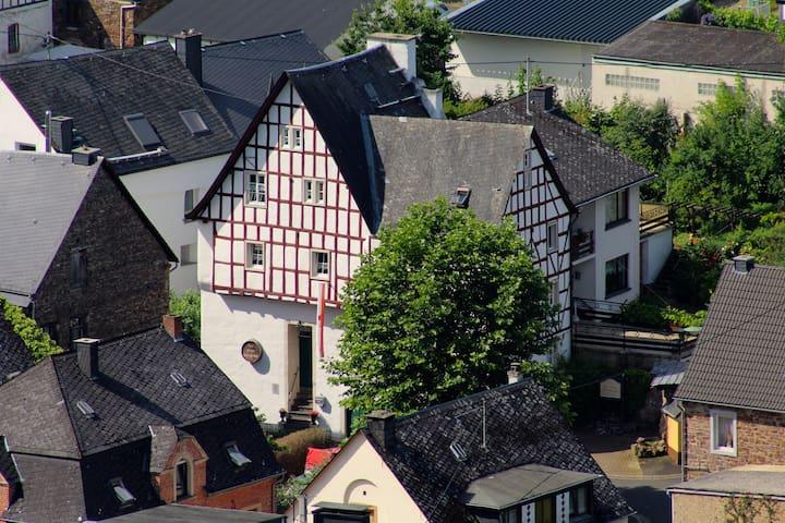 Zur Alten Weinkelter   Ferienapartments -Holiday Apartments
