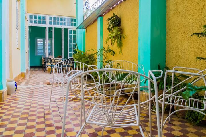 *. Hostal Guadalupe, en el centro de la Ciudad .*